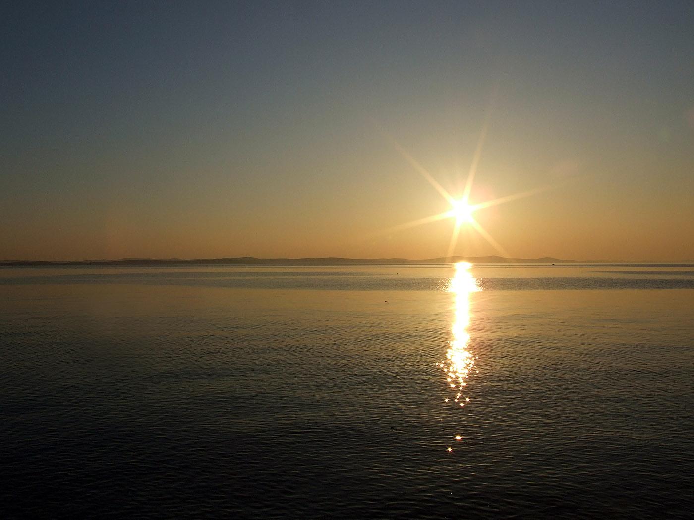 Sonnenuntergang Am Meer Kostenloses Hintergrundbild