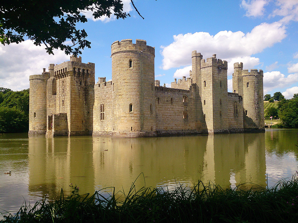 Bodiam Castle (East Sussex, England) - Schloss, Wasserburg