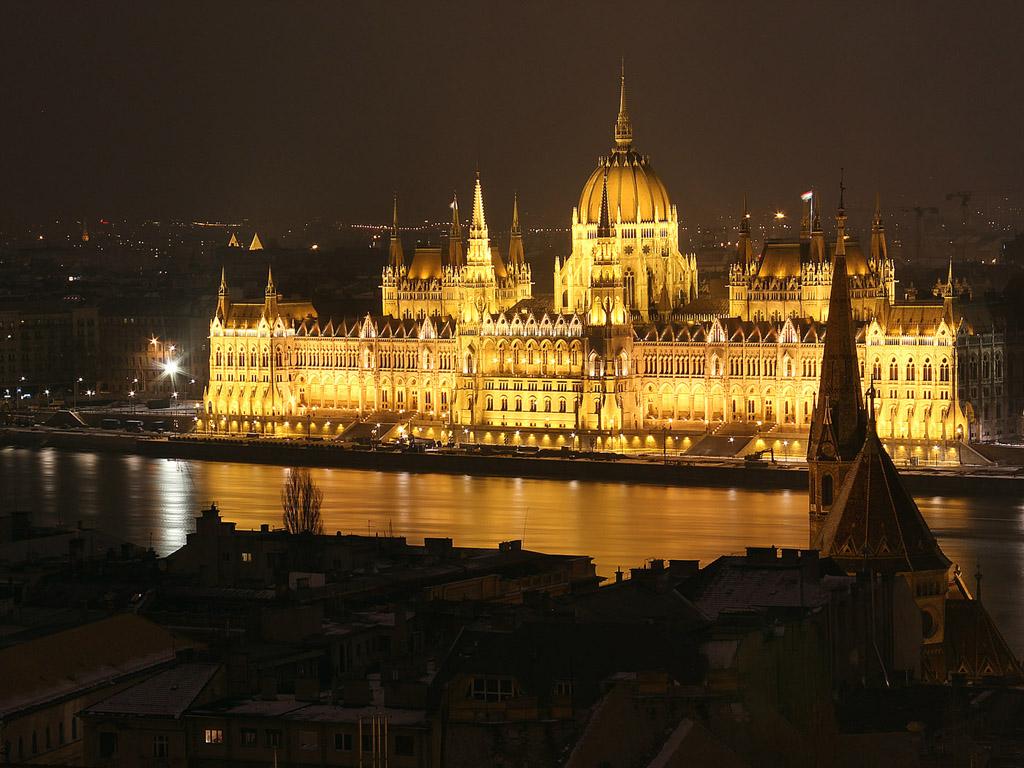 Budapest este: Parlament